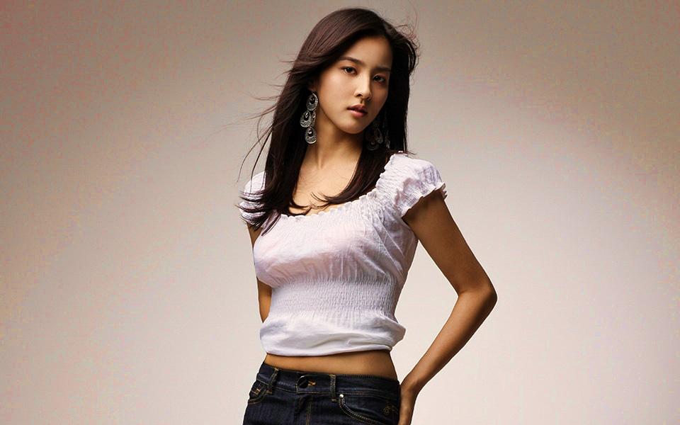 South Korea Model